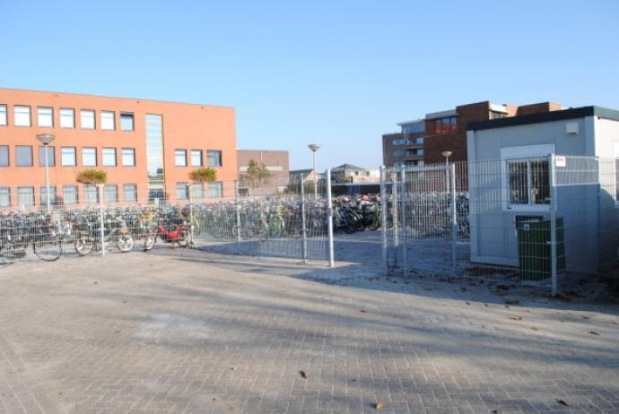 Temporary bicycle sheds with fence